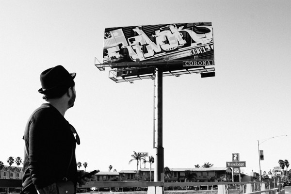Revok, graffiti su billboard, Los Angeles