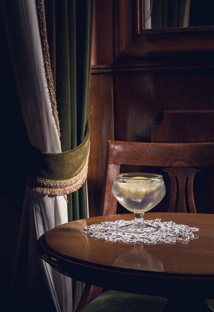 Delfino Sisto Legnani, Bar Basso. Gin tonic