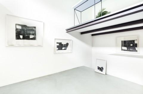 Diego Perrone : Andrea Sala – Unghia - installation view at MEGA, Milano 2016