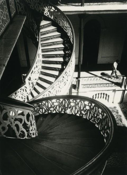 Fernell Franco, dalla serie Interiores, 1978 - collezione privata - © Fernell Franco - Courtesy Fundación Fernell Franco Cali-- Toluca Fine Art, Parigi