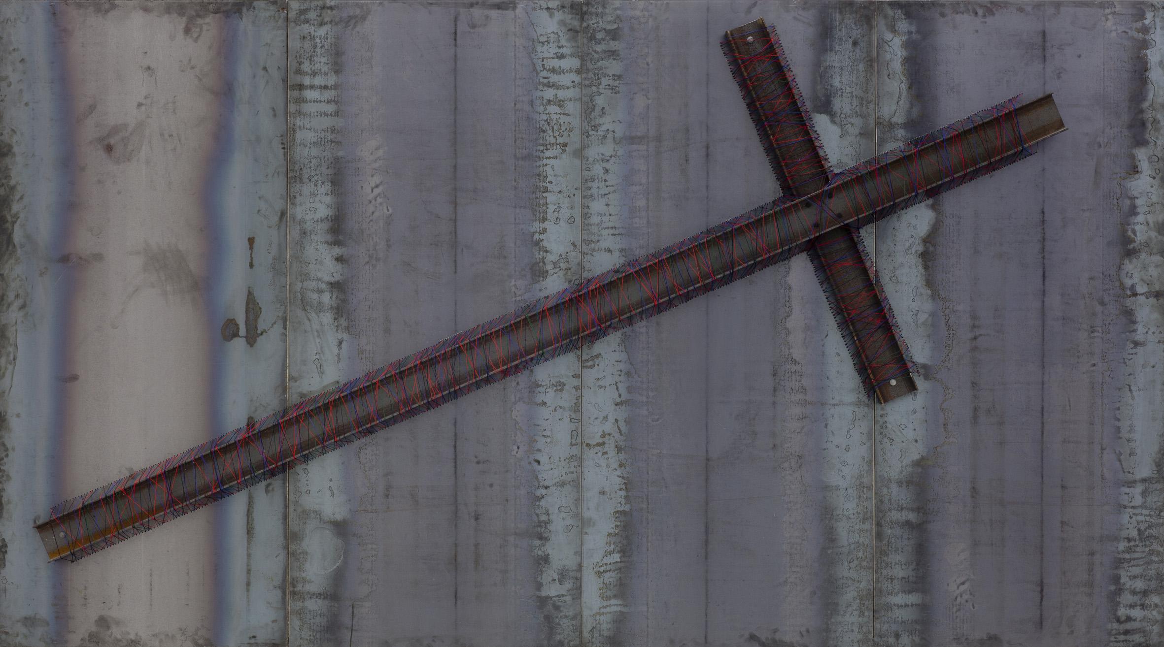 Jannis Kounellis, Punto croce, 2013 - Galleria Christian Stein, Milano - photo Peppe Avallone