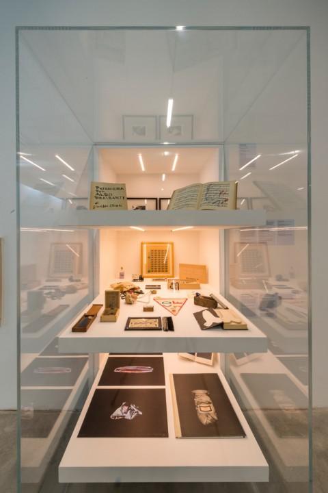 L'Inarchiviabile - veduta della mostra presso FM Centro per l'arte contemporanea, Milano 2016 - photo Paolo Emilio Sfriso