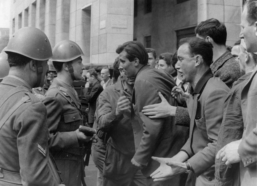 Sciopero degli operai della Breda, Milano 1961 - photo Enrico Cattaneo