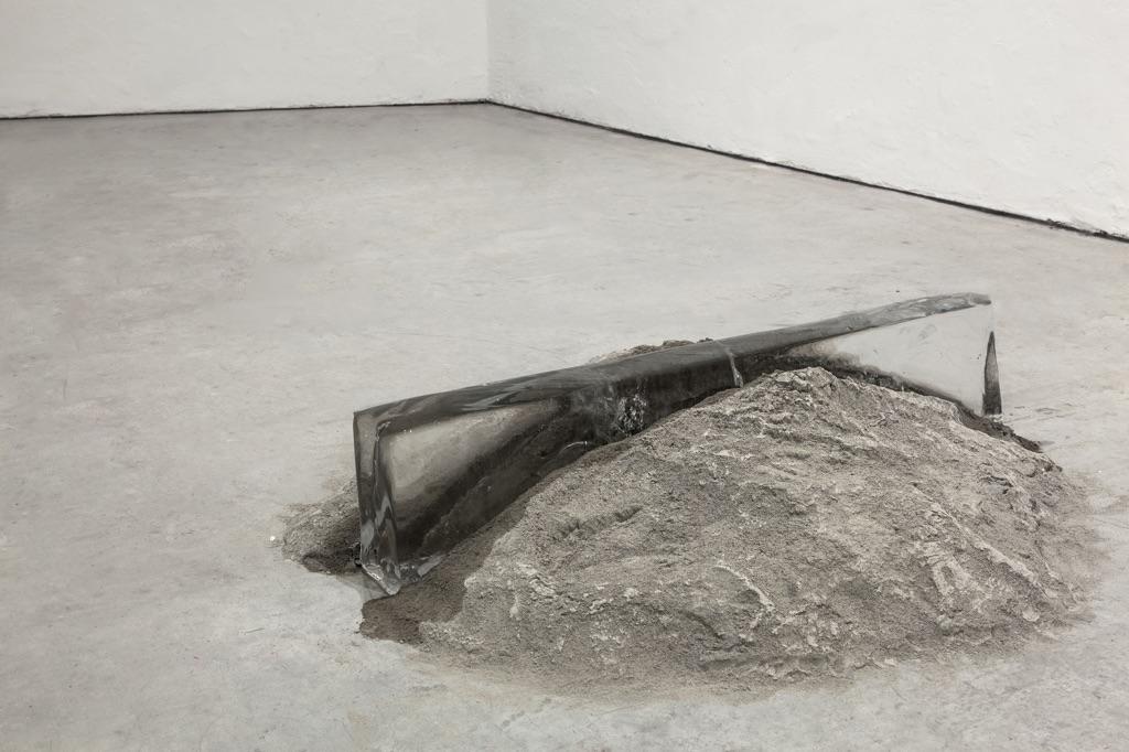 Stefano Canto – Archeologia dell'effimero – installation view at VIR viafarini, Milano 2016 – photo Federica Boffo – courtesy Stefano Canto