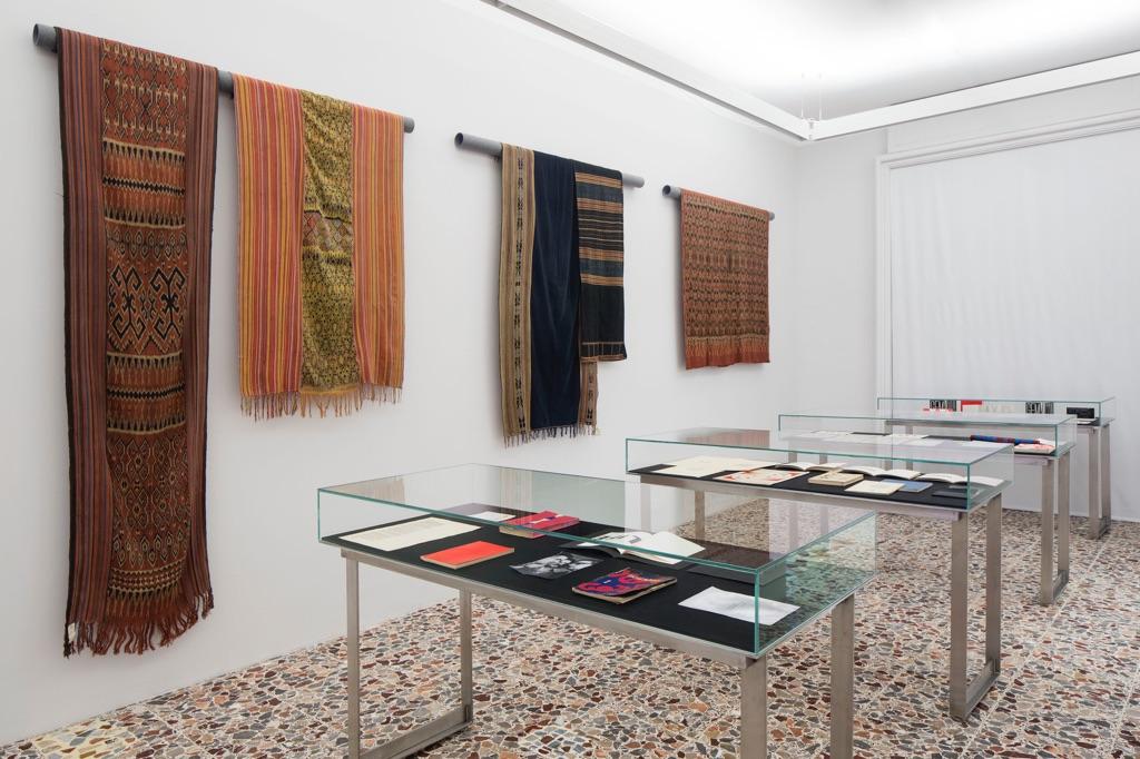 Textilities…once removed – installation view at Fondazione Antonio Ratti, Como 2016 - photo Agostino Osio