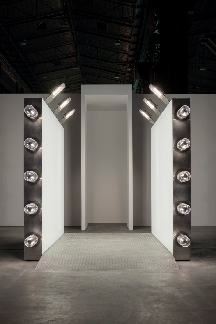 Carsten Höller – Doubt - installation view at Pirelli HangarBicocca, Milano 2016 - courtesy of the artist and Pirelli HangarBicocca, Milano photo © Attilio Maranzano