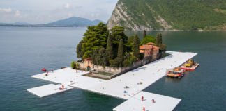 Christo, The Floating Piers, Lago d'Iseo, work in progress (foto Linoolmostudio)