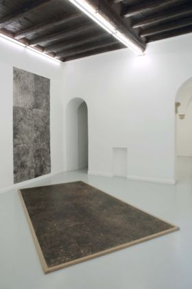 Giuseppe Buzzotta – Moon Screens - installation view at Operativa Arte Contemporanea, Roma 2016