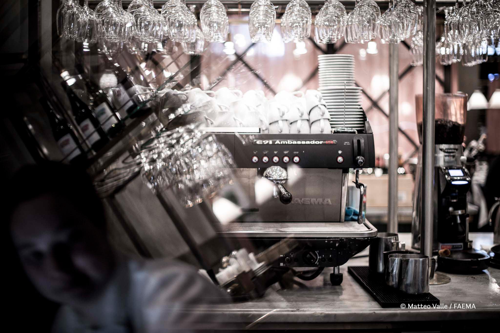 Matteo Valle, fotografia realizzata per Gruppo Cimbali - Faema, mostra 'Express Your Art', MUMAC - Museo della Macchina per Caffè, Binasco (Milano), 30 maggio - 30 ottobre 2016