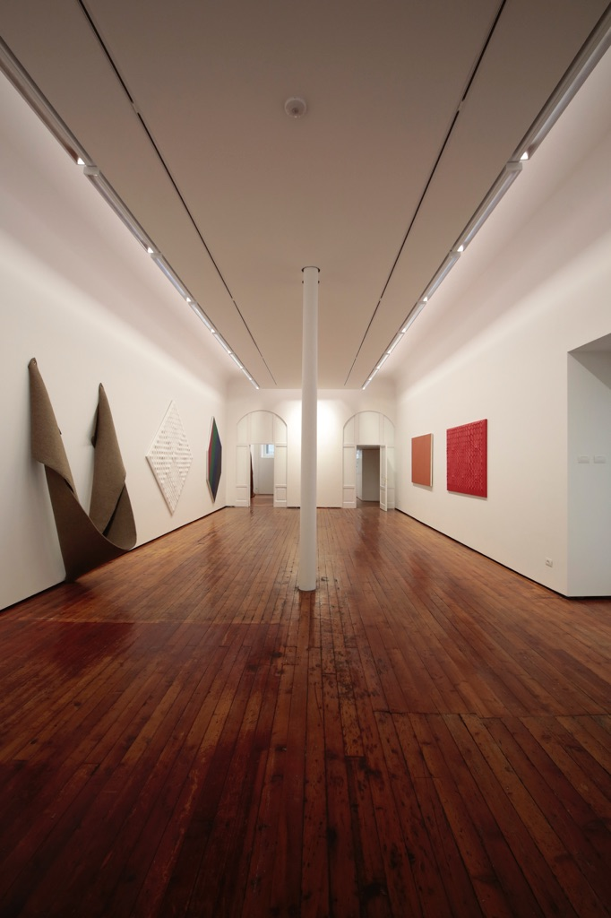 A personal view of Abstract painting and sculpture - installation view at Galleria Fumagalli, Milano 2016