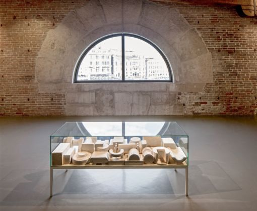 Absalon, Proposition d'objets quotidiens, 1990 - Pinault Collection - Courtesy the artist and Galerie Chantal Crousel, Paris - Installation view at Punta della Dogana, 2016 - © Palazzo Grassi, photo Fulvio Orsenigo