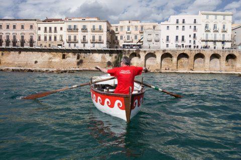Alessandro Bulgini, Primo tentativo di spostare l'isola (Taranto Opera Viva), 2015