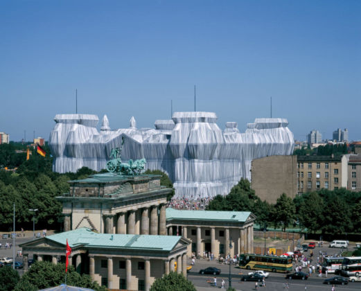 Christo & Jeanne-Claude, Wrapped Reichstag (Germany, Berlin), 1995