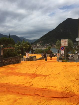Christo, The Floating Piers, Lago d'Iseo (foto Caterina Porcellini)