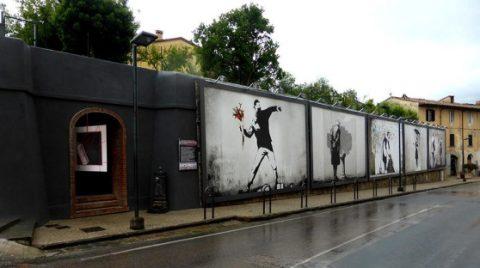 I pannelli dedicati a Banksy, a Cascine di Buti - foto iltirrenogeolocal.it
