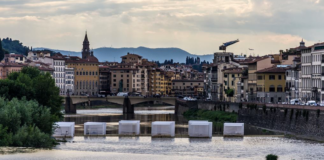 Firenze, The Bridge of Love, Installazione per Pitti Uomo 90, Claudio Nardi Architects