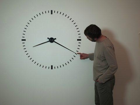 Ivan Moudov, Performing Time, 2012 – still da video - courtesy AGIVERONA Collection & Prometeo Gallery, Milano