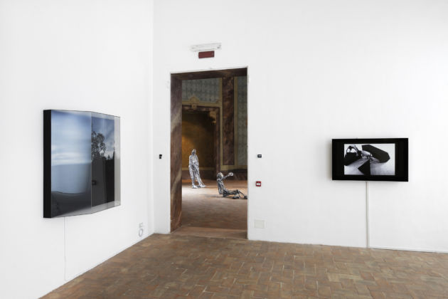 La memoria finalmente. Arte in Polonia 1989-2016 – installation view at Galleria civica, Modena 2016 – photo Paolo Terzi