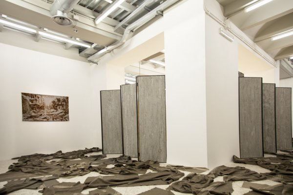 Loredana Longo. VICTORY - installation view - Foto Francesco Cuttitta. Courtesy FPAC