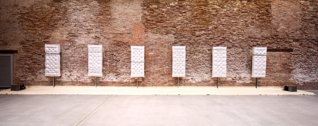 Pier Paolo Calzolari, Senza titolo (Materassi), 1970 - Pinault Collection - © Pier Paolo Calzolari. Courtesy Archivio Fondazione Calzolari - Installation view at Punta della Dogana, 2016 - © Palazzo Grassi, photo Fulvio Orsenigo