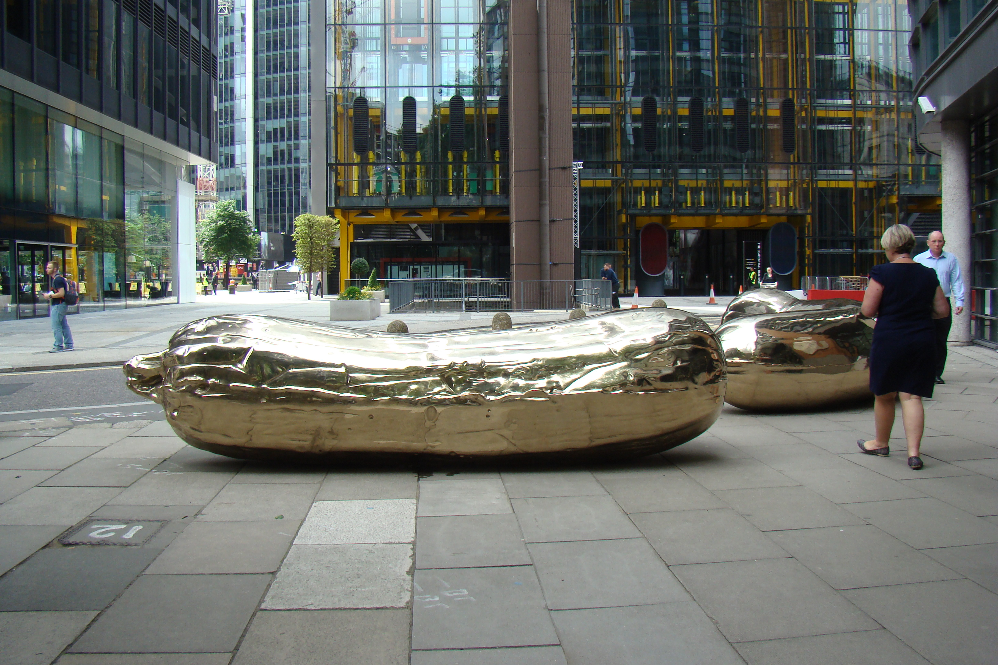 Sculpture in the City 2016, Londra - Sarah Lucas