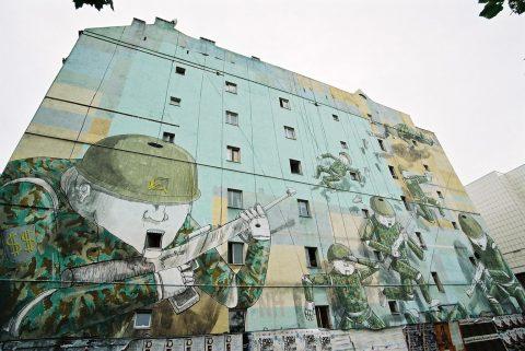 Un murale di Blu a Varsavia