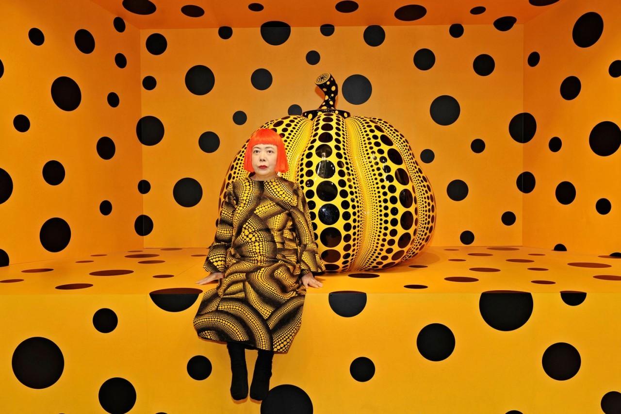 Yayoi Kusama, Kusama with Pumpkin, 2010
