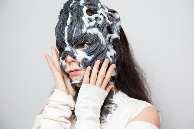 Björk, Rottlace Mask