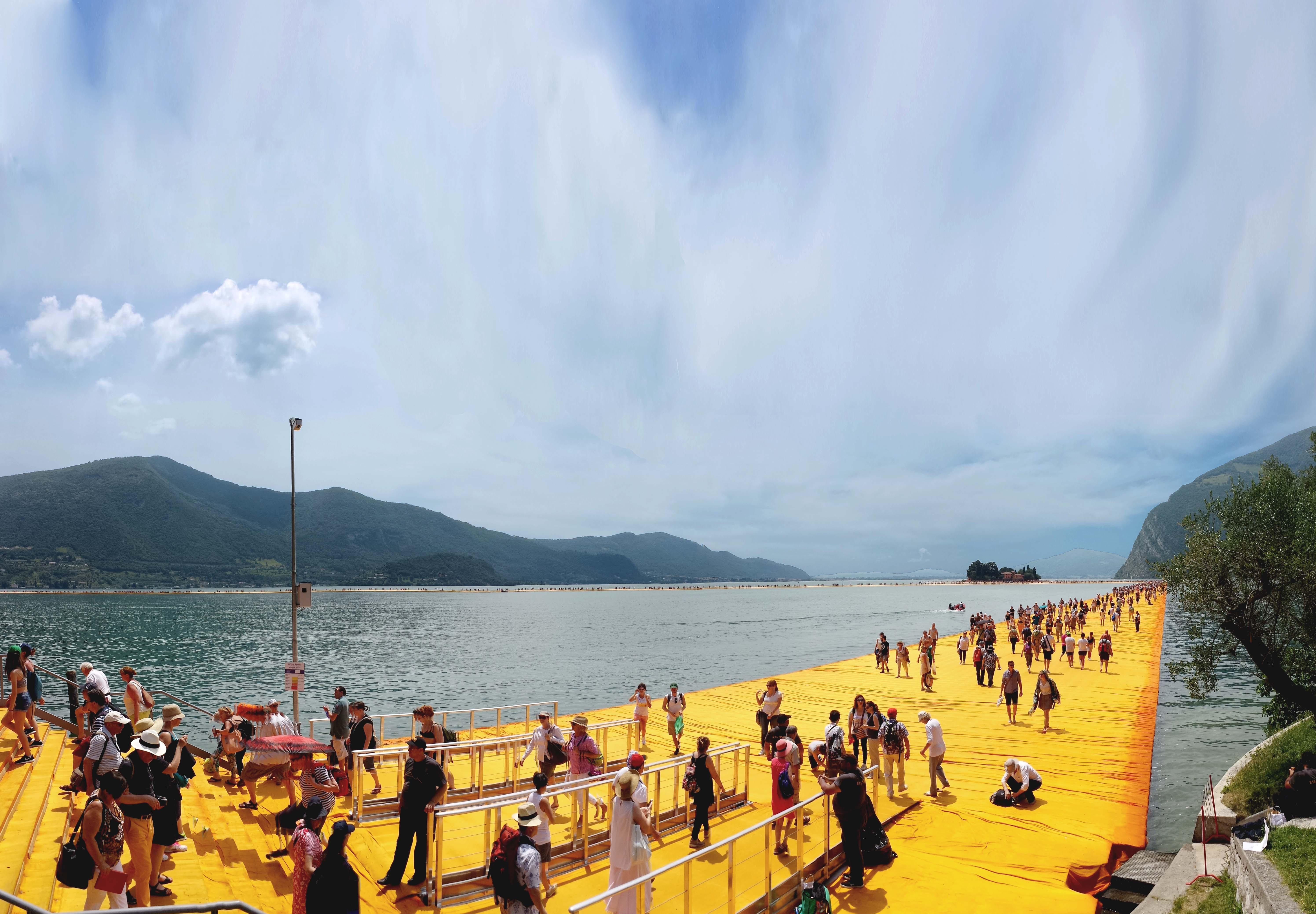 Christo, The Floating Piers, Lago d'Iseo (foto Anna Mattioli)