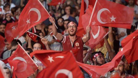 Gli ultras dell'Islam a Istanbul