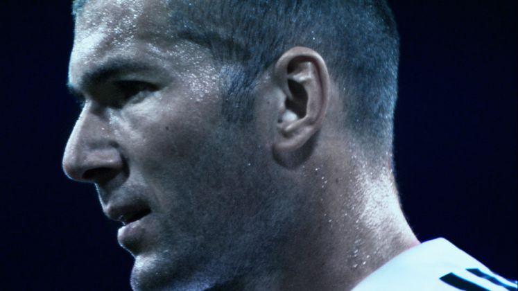 Douglas Gordon- Philippe Parreno, Zidane. A 21st Century Portrait, 2006