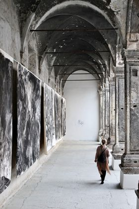 Laurie Anderson - The Withness of the Body - installation view at Made in Cloister, Napoli 2016 - courtesy l'artista - photo Francesco Begonja