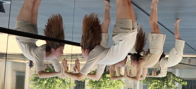 Attraverso i Muri di Bruma di Billy Cowie, con Erica Meucci, Cecilia Tragni, Loredana Tarnovschi. Foto di Billy Cowie