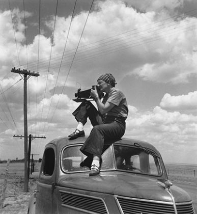 Paul S. Taylor, Dorothea Lange in Texas on the Plains, 1934