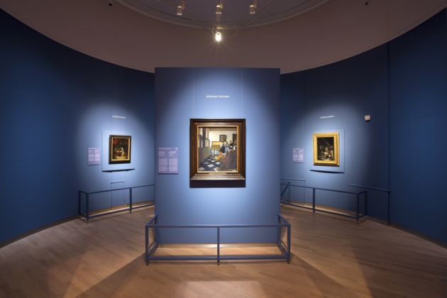 At Home in Holland Vermeer and his Contemporaries from the British Royal Collection, exhibition view at Mauritshuis, L'Aia 2016, photo Ivo Hoekstra