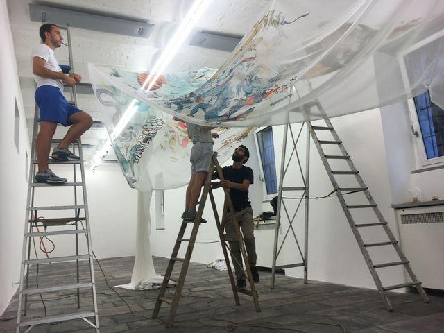 Fondazione Arnaldo Pomodoro, l'installazione dell'opera di Maria Teresa Ortoleva foto Federico Giani
