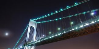 Il Verrazano-Narrows Bridge, a New York