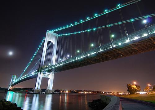Il Verrazano-Narrows Bridge, a New York