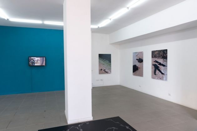 Oliver Ressler – Transnational Capitalism Examined. Border as Method – installation view at The Gallery Apart, Roma 2016 – photo Giorgio Benni