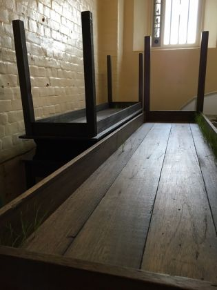Inside. Artists and writers in Reading Prison - Doris Salcedo