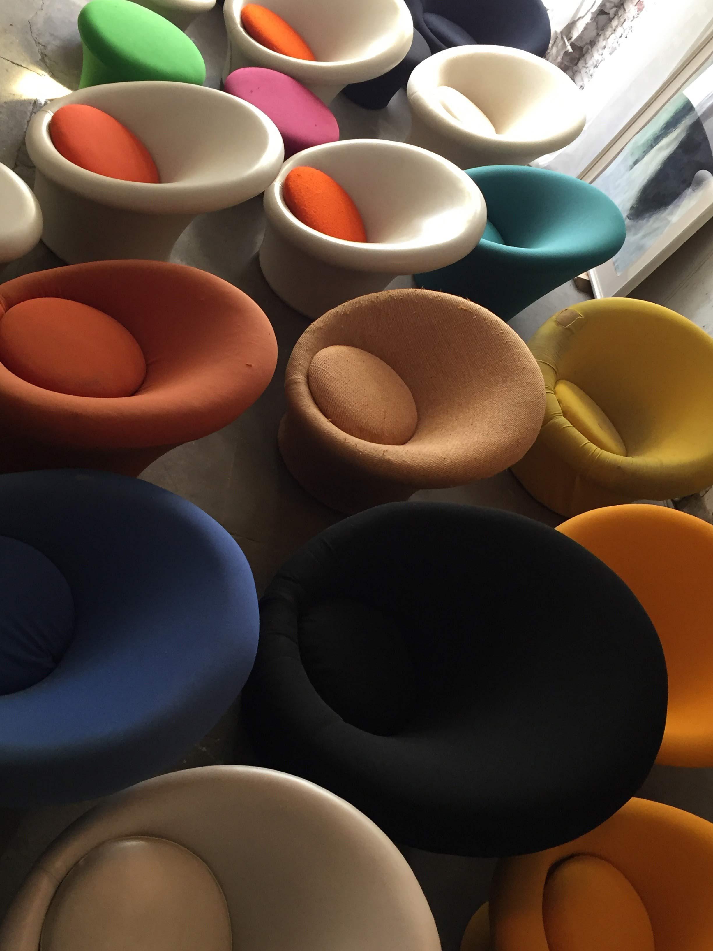 nuova location a parigi per le puces du design artribune. Black Bedroom Furniture Sets. Home Design Ideas
