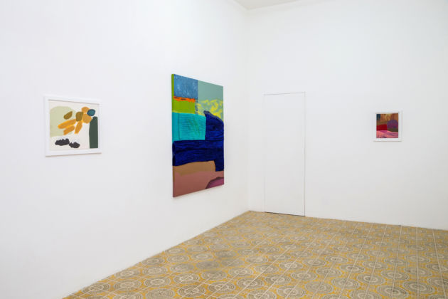 Odessa Straub – Tears in housebreaking letting the cold - exhibition view at Galleria Acappella, Napoli 2016
