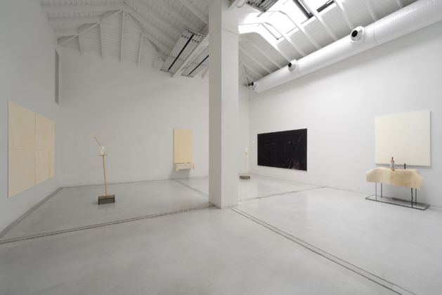 Pier Paolo Calzolari, exhibition view at Studio la Città, Verona 2016