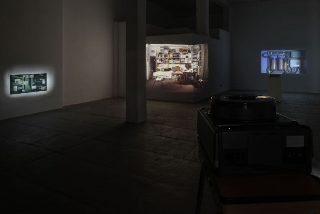 Tris Vonna-Michell – Register – installation view at T293, Roma 2016 - courtesy of the artist & T293 - photo Roberto Apa