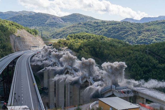 Andrea Botto, dal progetto KABOOM - demolizione controllata del Viadotto Caffaro Lauria, Potenza 2015 – Courtesy l'autore