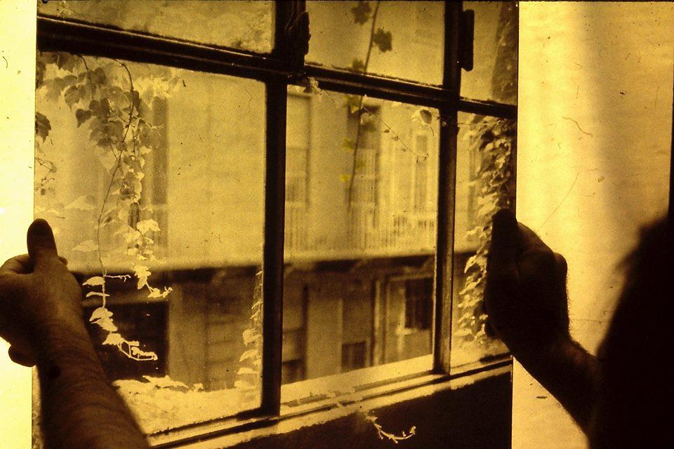 Antonio Trotta, Finestra su vetro, 1972 - photo Ugo Mulas