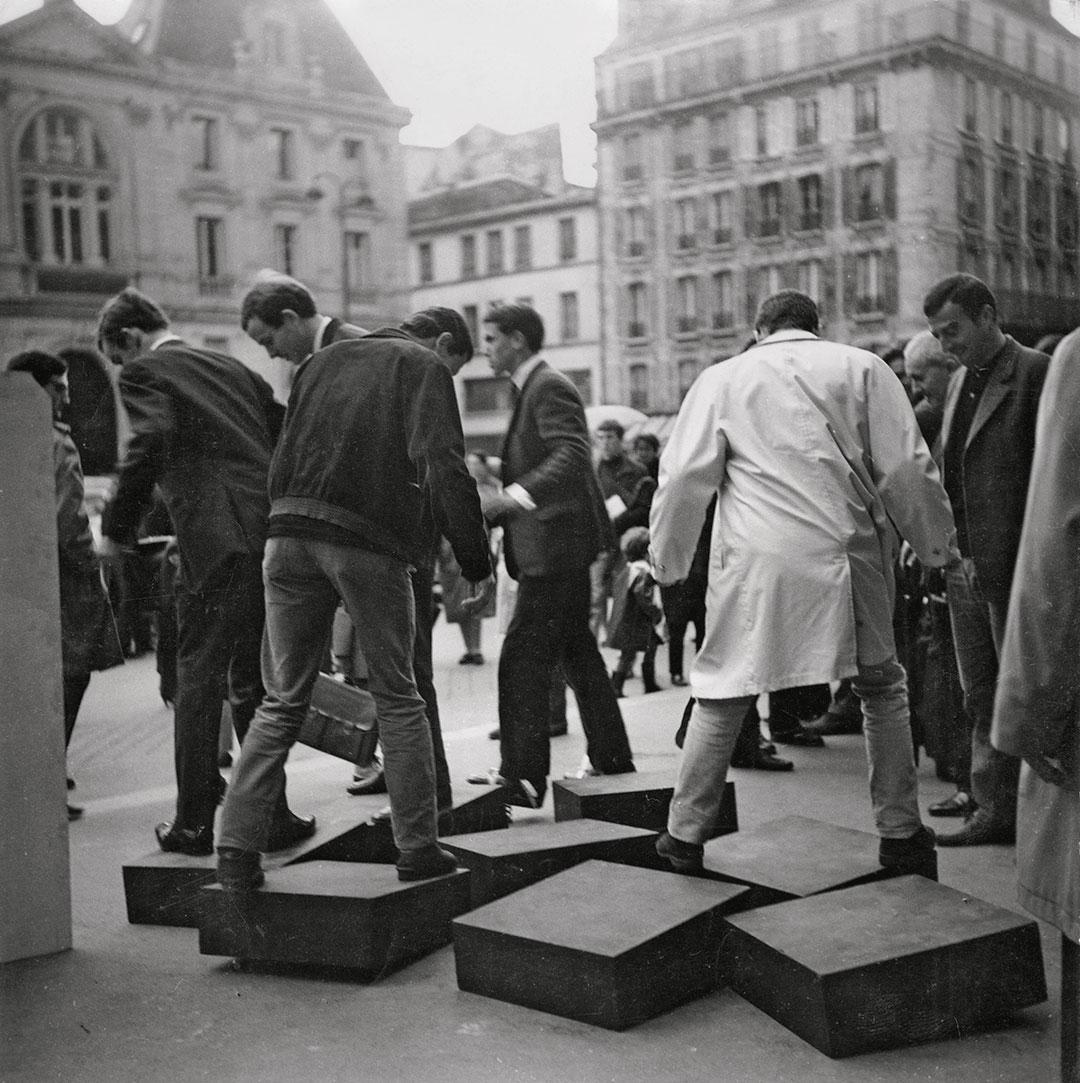 GRAV, Une Journée dans la rue, 1966 - Julio Le Parc © 2016 Artists Rights Society (ARS), New York : ADAGP, Paris - Photo Julio Le Parc : Atelier Le Parc