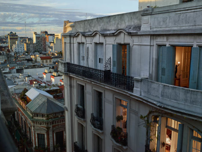 Gail Albert Halaban, Out of the Window. Buenos Aires