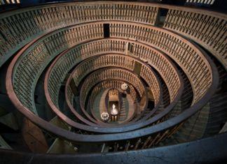 Gare de l'Est – installation overview at Teatro Anatomico, Palazzo del Bo, Padova 2016 – photo Rolando Paolo Guerzoni