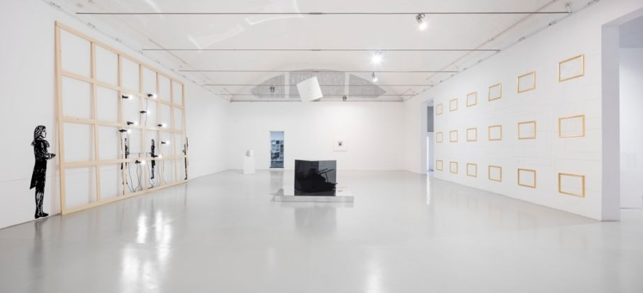 Giulio Paolini - FINE - exhibition view at Galleria Christian Stein - courtesy l'artista e Galleria Christian Stein, Milano - photo Agostino Osio